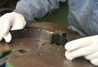 自動車成型品の製作・各種専用機の考案・製作についてのこだわり 治具 裁断機 抜き型