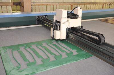 大型プロッター&カッター機 抜き型 裁断機 刃型